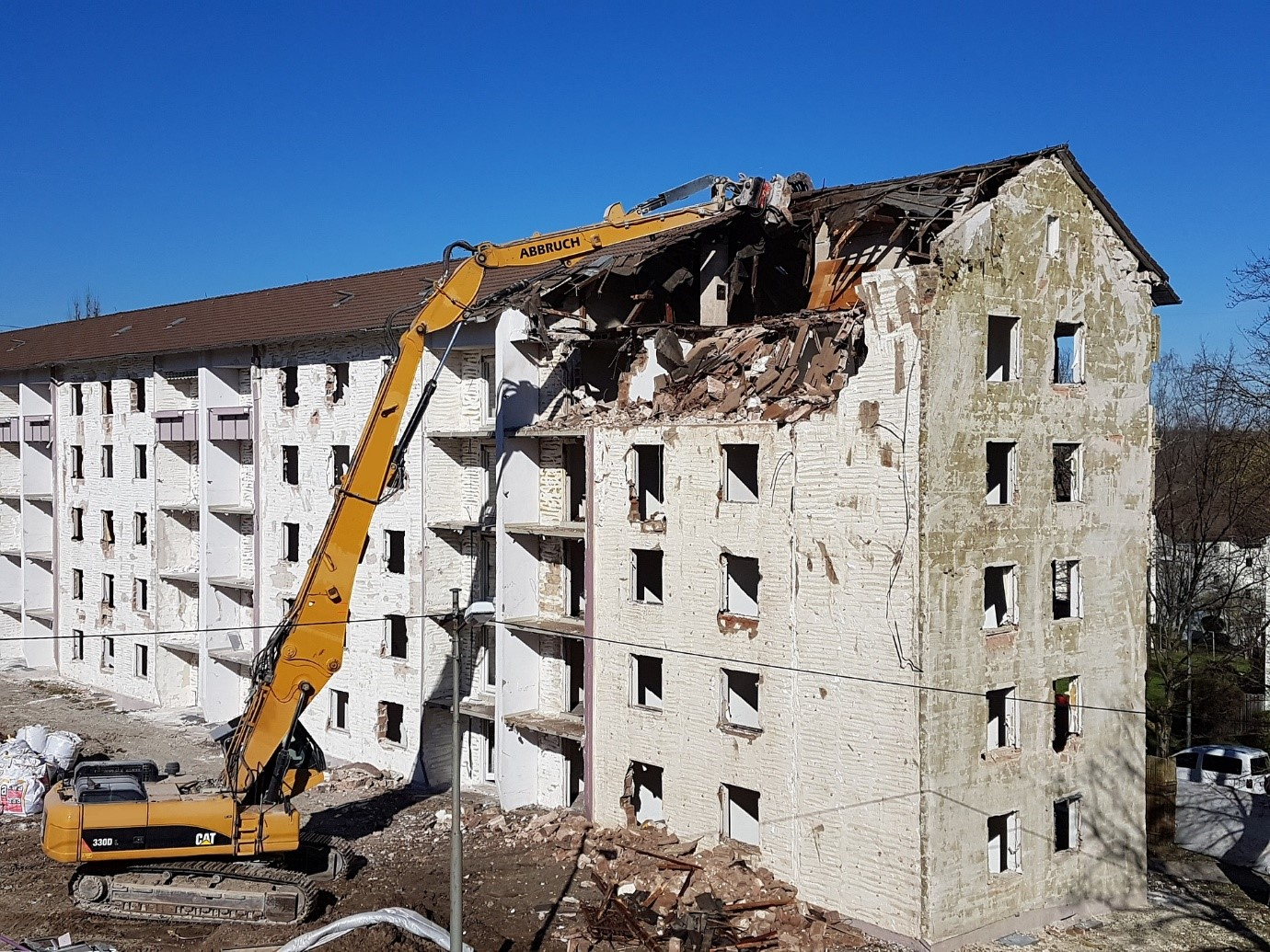 4 Reasons Why You Should Always Hire a Professional Demolition Service